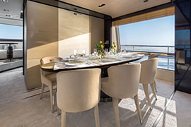 Azimut 80 - Dining Area