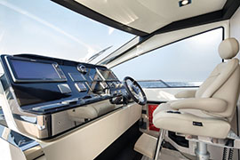 Azimut 80 - Internal wheelhouse