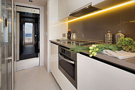 Azimut 80 - Galley