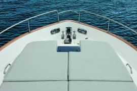 Azimut Magellano 43 - Bow Area