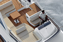 Azimut 60 - Flybridge View